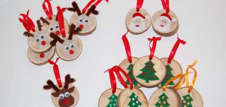 Drewniane zawieszki świąteczne