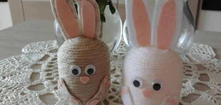 Zajączki z plastikowych jajek